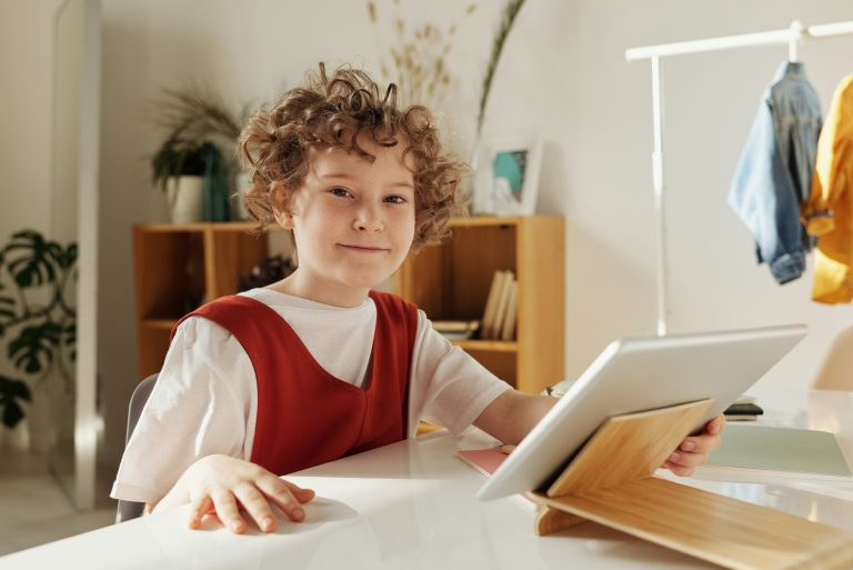 Digital Stories for Greater Comprehension for Children with Special Needs
