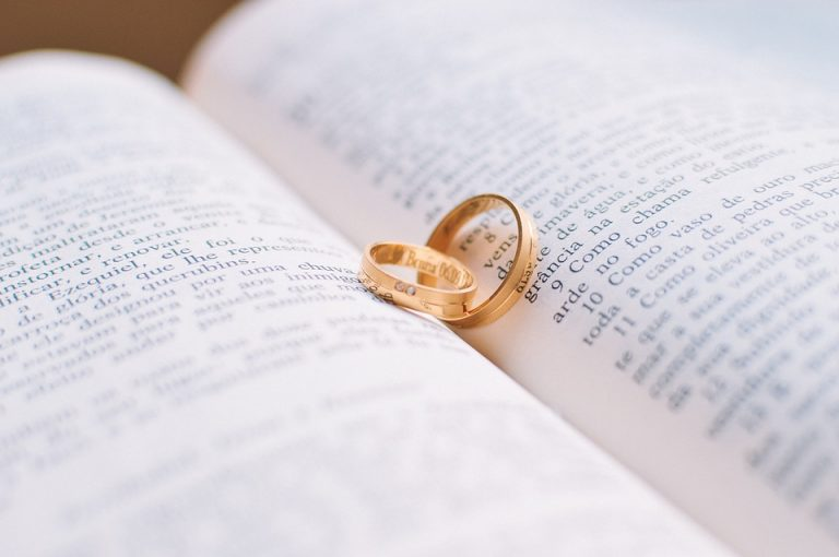 Read more about the article Reader, I Married Him: Jane Eyre Retellings